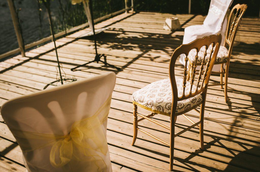 sillas ceremonia doradas rococó lazos