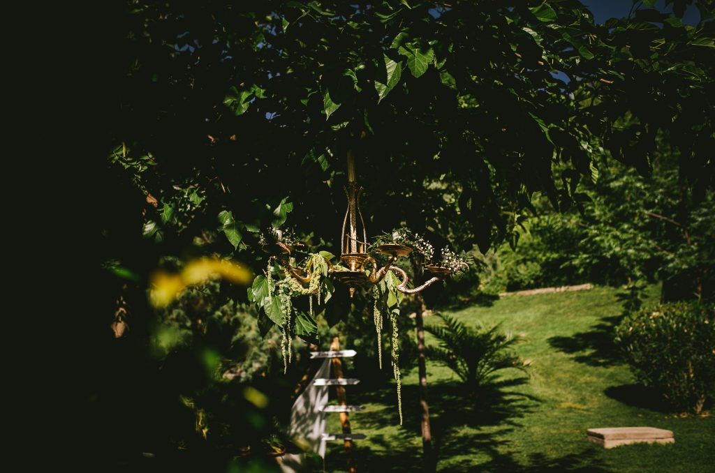 lámpara isabelina rococó dorada