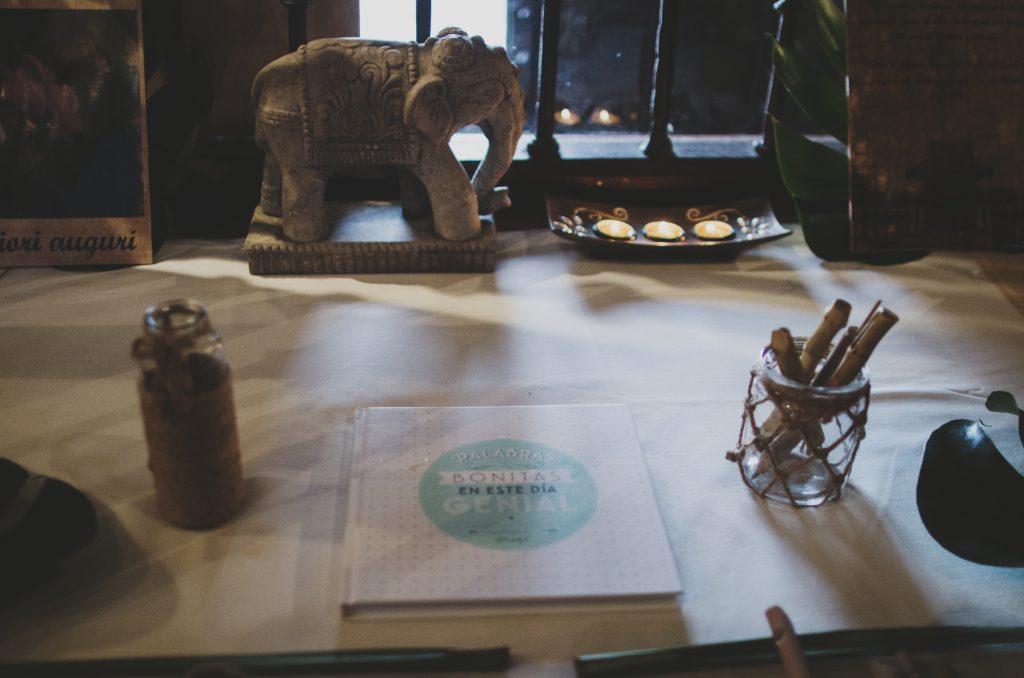 mesa de firmas asiática elefante