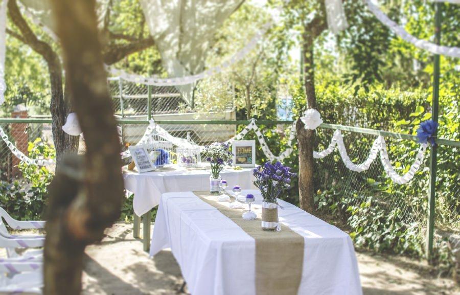 decoración guirnalda camino de mesa arpillera
