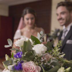 ceremonia religiosa flores