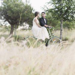 foto romántica bicicleta vintage campo